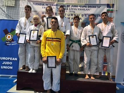 Sportivii de la  LPS-CSS Liberty Oradea au cucerit 7 medalii la Finala Campionatului Naţional de Ne Waza