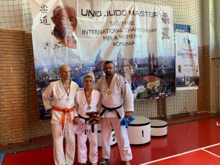 Trei medalii pentru judoka orădeni veterani, la Internaţionalele Sătmarului