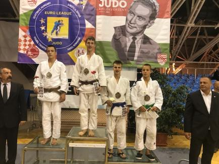 Judoka orădeni au cucerit opt medalii la întrecerile puternicului turneu de la Szeged