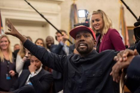 Rapperul Kanye West candidează la prezidenţiale în SUA cu o platformă anti-avort şi anti-vaccinare împotriva Covid-19
