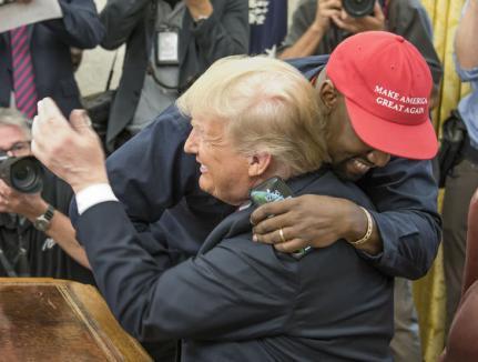 Kanye West, întâlnire cu Donald Trump la Casa Albă: 'Îl iubesc pe tipul ăsta!' (FOTO/VIDEO)