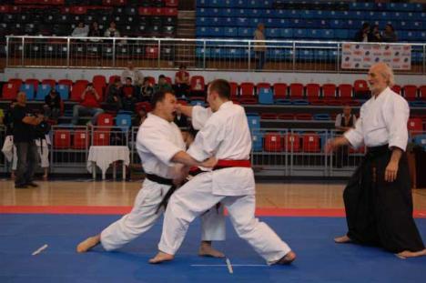 Şapte titluri pentru orădeni, la Campionatul Naţional de karate tradiţional
