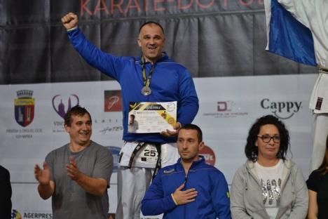 Sportivii de la  S.K.T. UAMT – AGORA Oradea au cucerit 8 medalii la Campionatul Mondial de Karate Tradiţional Fudokan (FOTO)