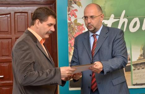 Primarul din Borş, felicitat de preşedintele UDMR Kelemen Hunor pentru fondurile UE atrase în comună