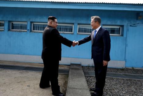 Moment istoric: Coreea de Nord şi Coreea de Sud anunţă sfârşitul războiului