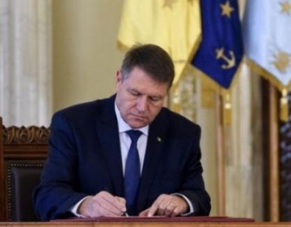 Klaus Iohannis a promulgat legea privind pensiile parlamentarilor