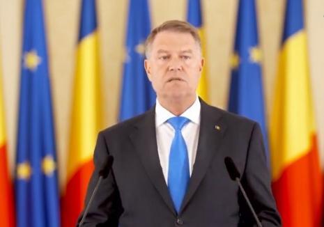 """Preşedintele Iohannis i-a îndemnat pe români să voteze la referendum şi la alegerile europarlamentare: """"PSD-iştii îşi dau legi ca să poată fura în linişte"""" (VIDEO)"""