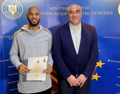 Jucătorul CSM CSU Oradea Kris Richard a devenit cetăţean român şi va putea evolua şi pentru 'naţională'