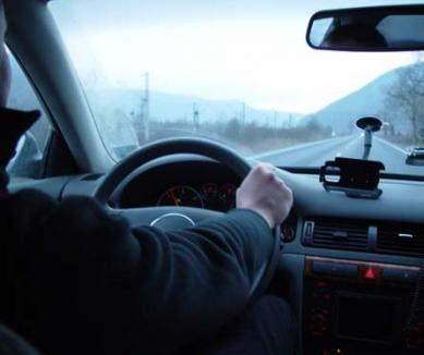 Cu trei dosare pentru conducere fără permis, un tânăr din Alparea a fost prins din nou la volan