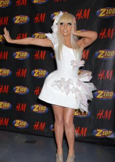 "Lady Gaga, ""regina"" EMA 2010. Inna a ratat premiul"