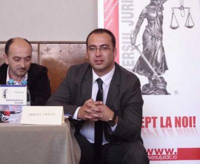 """Avocatul Mircea Ursuţa a lansat ediţia a doua a """"Bibliei"""" amendaţilor (FOTO)"""