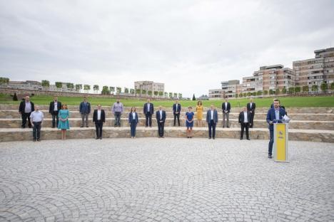 Candidatul PNL la Primăria Oradea, Florin Birta, şi-a prezentat consilierii. Vezi cine e pe listă (FOTO / VIDEO)