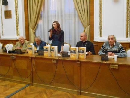 'Dascăli din Bihor': O carte care prezintă zeci de profesori bihoreni, aşa cum au fost cunoscuţi de Ion Bradu (FOTO)