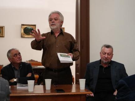 """Florin Ardelean a lansat """"Istoria presei culturale din Oradea"""" (FOTO)"""