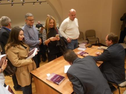 """Lansare de carte """"cu greutate"""" în Cetatea Oradea: """"Românii din Crișana în Primul Război Mondial"""" (FOTO)"""