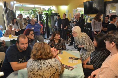 Sprijin pentru persoanele cu dizabilităţi. A fost lansată filiala orădeană a asociaţiei 'Ridică-te şi umblă' (FOTO)