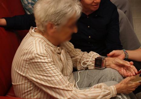 După gratii: S-au făcut arestări în dosarul escrocilor care vindeau dispozitive terapeutice chinezeşti la preţ de lux