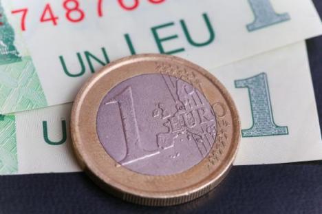 Record negativ: Cel mai slab leu în raport cu euro din istorie
