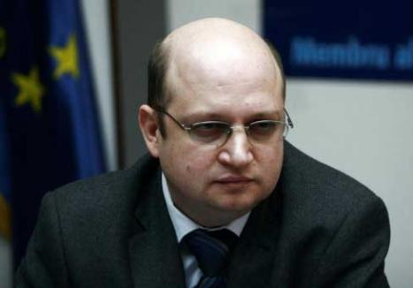 """Liderul sindicatului Pro Lex îl bănuieşte pe Vasile Blaga că ar fi """"regina"""" şpăgilor din vămi"""