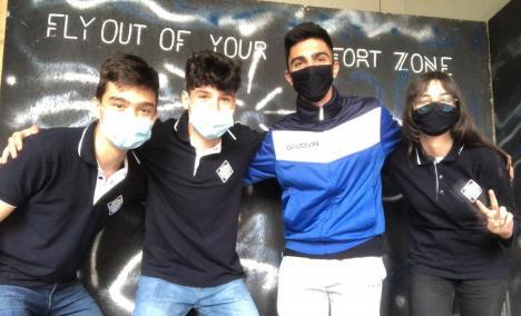 Elevi din Oradea, lăudaţi de Agenţia Spaţială Europeană pentru că au reuşit să monitorizeze poluarea din spaţiu (FOTO)