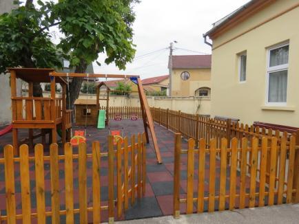 Angajații Termoficare Oradea au amenajat un loc de joacă pentru copiii de la Creșa 14 (FOTO)