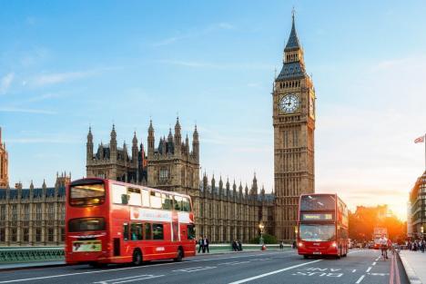 Din 1 octombrie, românii vor putea intra în Marea Britanie doar cu paşaportul