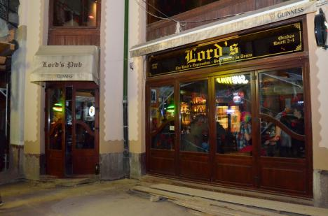 Un lord(s) în Primărie: Directorul Lucian Popa e stăpân acum pe tot barul Lord's din Pasaj