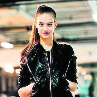 Româncă de 14 ani, printre cele mai tari supermodele din lume (FOTO)