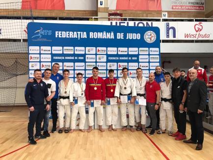 În speranţa reluării competiţiilor, judoka bihoreni de la lotul olimpic de tineret se pregătesc intens de acasă