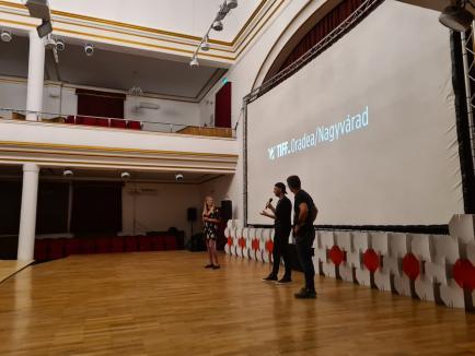 'Seamănă cu Joker': Filmul regizat de Horaţiu Mălăele a impresionat orădenii în deschiderea TIFF Oradea (FOTO)