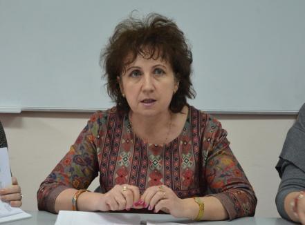 Câinii latră, copiatoarea trece! Doctoriţa Daina şi-a luat examenul de abilitare la Universitatea din Oradea