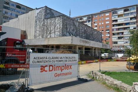 'Patria' Shopping: Fostul cinematograf devine centru comercial (FOTO)