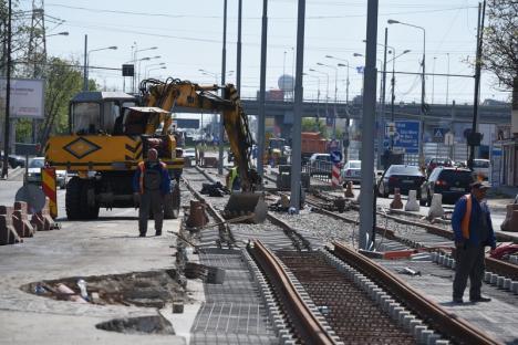 Constructorii se pregătesc să finalizeze noua linie de tramvai pe porţiunea din Calea Aradului (FOTO/VIDEO)