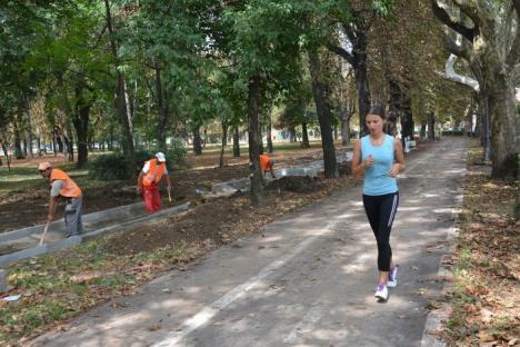 Prima pistă artificială de alergare din Oradea va fi dată în folosinţă la jumătatea lunii septembrie (FOTO)