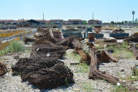 Bolojan, despre construcţia noii săli polivalente din Oradea: 'Se poate lucra cu mai mulţi muncitori şi cu un ritm mai bun!' (FOTO)