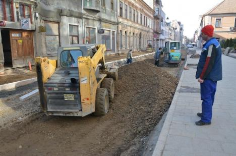 Fața orașului: Renovarea străzii Vasile Alecsandri a ajuns aproape la jumătate (FOTO)
