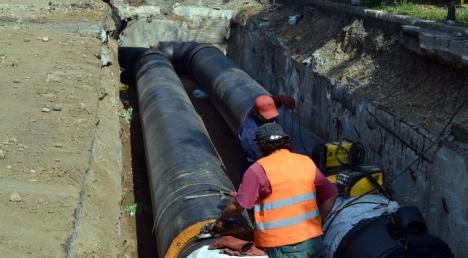 Se înlocuiesc conductele! Centrul oraşului şi zona Cantemir rămân o săptămână fără apă caldă