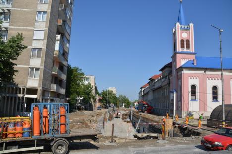 Revin ambuteiajele. Traficul auto s-a aglomerat în Oradea, odată cu ridicarea restricțiilor de circulație (FOTO / VIDEO)