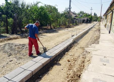 Va fi gata în 2020. Strada Coriolan Hora este în curs de modernizare (FOTO)
