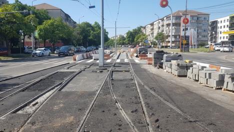 Constructorii au amenajat primii 700 de metri din noua linie de tramvai de-a lungul Peţei, în Oradea (FOTO / VIDEO)