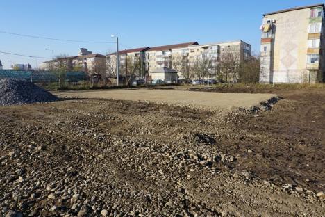 Lucrările de amenajare a parcului din zona străzii Morii au început cu excavarea terenului (FOTO)