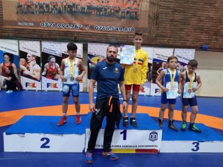 Șase medalii pentru orădenii de la LPS Bihorul, la Finala CN de lupte pentru juniori mici de la Medgidia