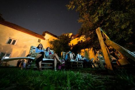 Unde ieşim săptămâna asta în Oradea: Cinema în aer liber, festival de impro-comedy sau ateliere de robotică pentru copii