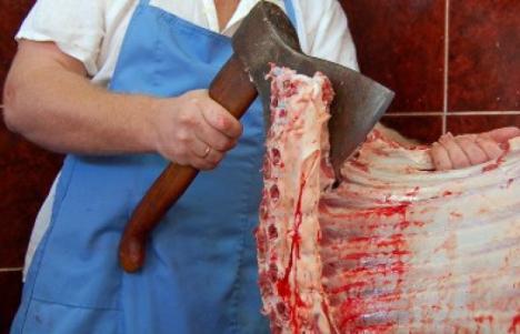 Scandalul continuă: ADN de cal în carne de vită importată în Gecia din România