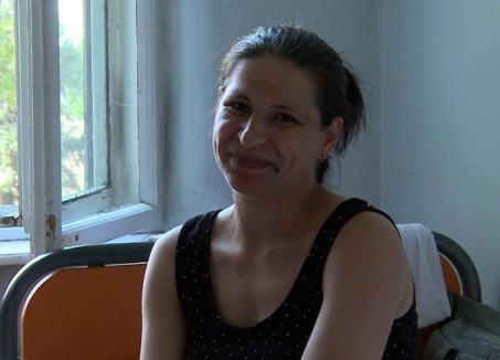 """Ea e tânăra care a născut în fața blocului: """"Copilul nu a mai rezistat, nu a vrut să mai aştepte"""""""