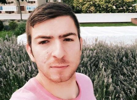 Impostor cu suspendare: Escrocul Florin Marcel Manciu, care a păcălit zeci de orădeni, liber să tragă noi ţepe