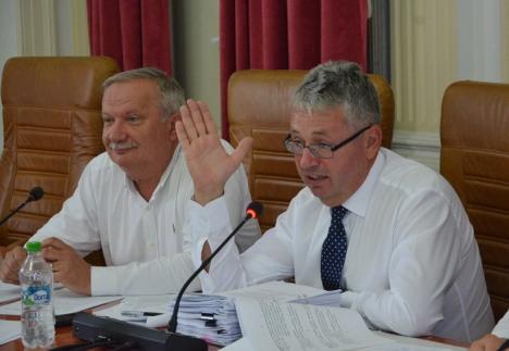 Banii jos! Care sunt noile salarii ale şefilor şi angajaţilor Consiliului Judeţean Bihor