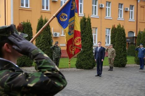 Ministrul apărării, Mihai Fifor, a vizitat Centrul de Excelenţă NATO din Oradea (FOTO)