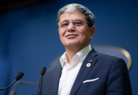 Şeful USR, Dan Barna, îl acuză pe ministrul orădean Marcel Boloş de conflict de interese