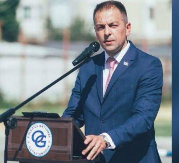 Directorul Colegiului 'Octavian Goga' din Marghita şi-a dat demisia din PSD şi vrea să candideze independent la Primărie